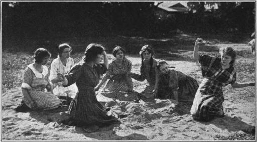 Screen_Acting_1921_page_95_Mae_Marsh_Hoodoo_Ann