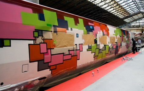 Zedz paints his train car at the Gare du Nord Station, Paris image © urbanartcore.eu with CCLicense