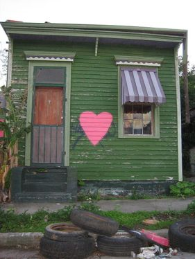 Shotgun House, New Orleans, LA, USA after Hurricane Katrina  © Infrogmation with CCLicense