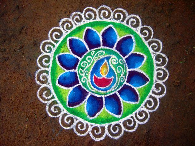 Diwali Rangoli  © Pon Malar with CCLicense