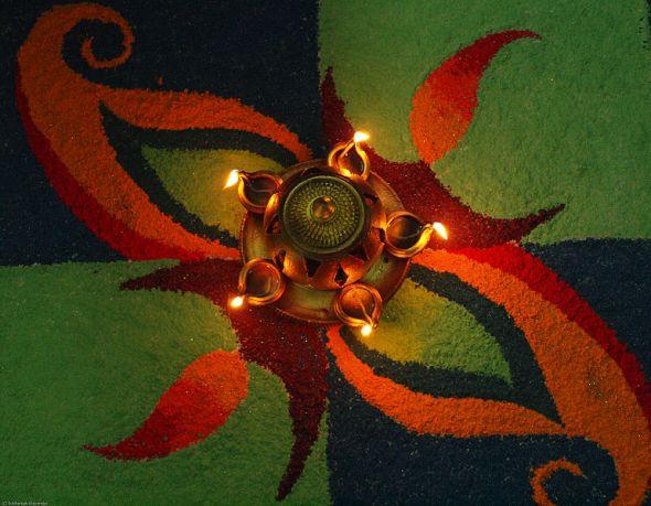 Diwali Rangoli © Subharnab Majumdar with CCLicense