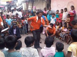 Street play in Mumbai. India © GiveWell with CClicense