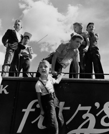 Children at the Fair, Maine, 1967 © Commerce Graphics Ltd, Inc.