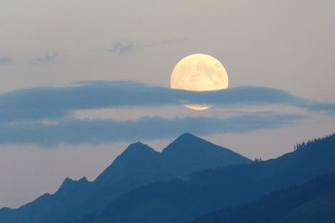 full-moon-460314_640
