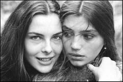 The two Conchitas, Carol Bouquet and Angela Molina © Allan Tannenbaum