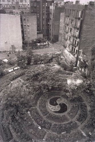 Adam Purple's Garden, Lower East Side, New York, New York © Tom Yarus with CCLicense