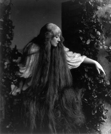 Soprano Mary Garden in Debussy's Pelléas et Méĺisande Public Domain Image via The Library of Congress