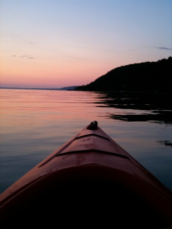 Red Kayak, Red Sunset © Ken Bosma with CCLicense