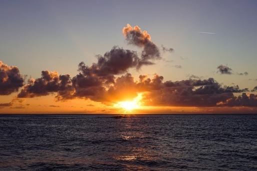 sunset-863455_640