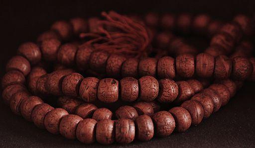 buddhist_prayer_beads.jpg