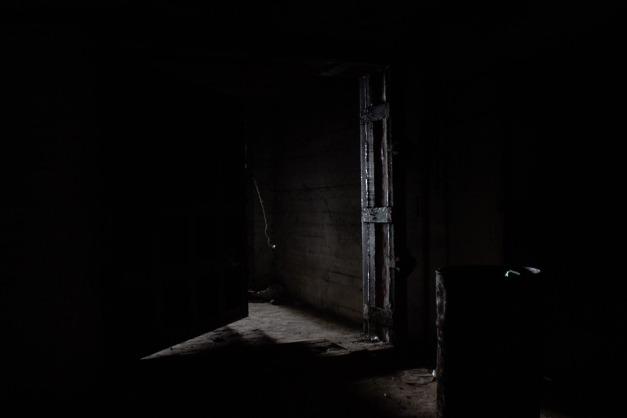 darkness-609983_960_720