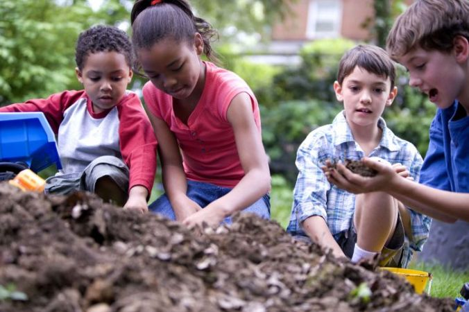 children-while-they-play-725x483.jpg