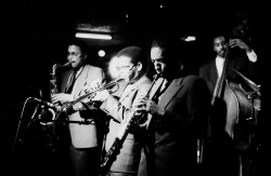 THE JAZZ MESSENGERS . CLUB LE COATELAN . PLOUGONVEN . FINISTERE . 3 MARS 1985 .