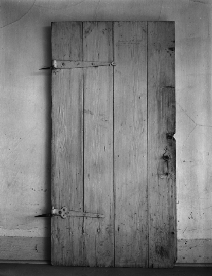 512px-A_Photograph_of_an_Original_Door_from_the_Bolduc_House_in_Ste_Genevieve_MO.png