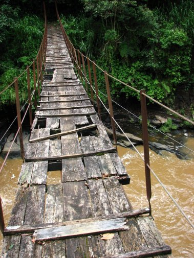 Kotmale_footbridge_2006-09-03-2