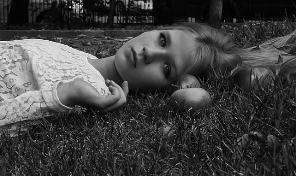 Leaves Eyes Girl Girls Garden View Grass Apples