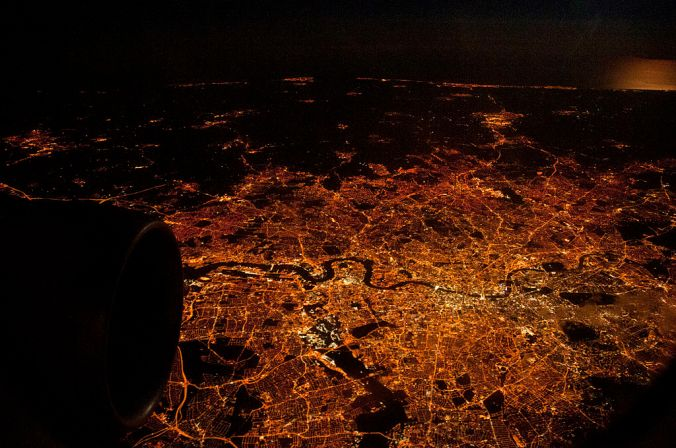 1024px-London-at-night-from-air.jpg