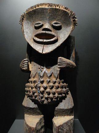 512px-Statuette_Mambia_Nigéria