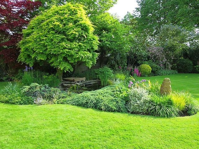 english-garden-1426843_640.jpg