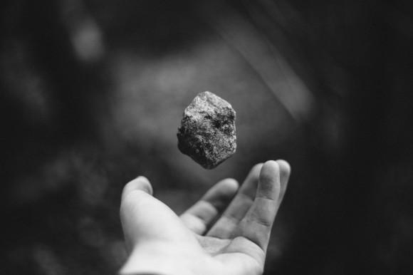 hand_macro_rock_stone-967694